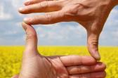 reframe-hands